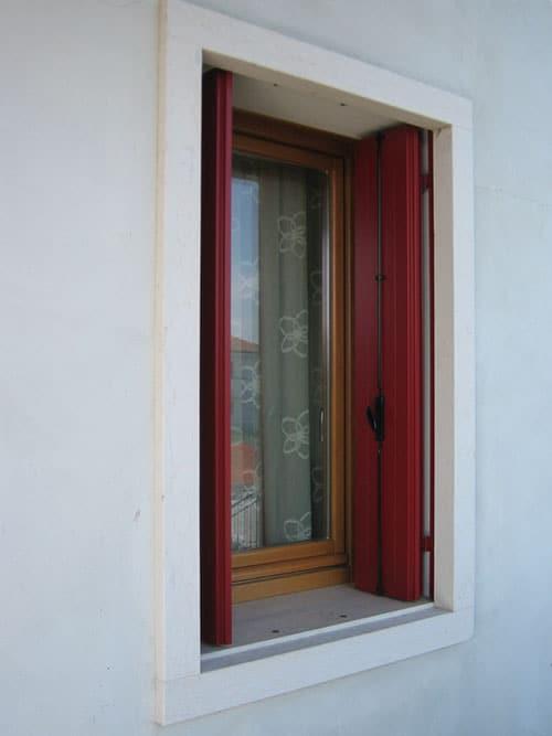 Infissi interni ed esterni falegnameria rossi snc for Infissi balcone